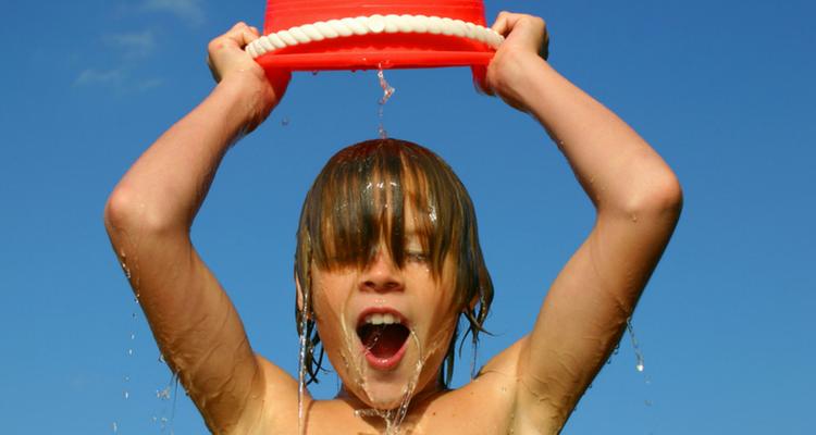 juegos-de-agua-cubeta