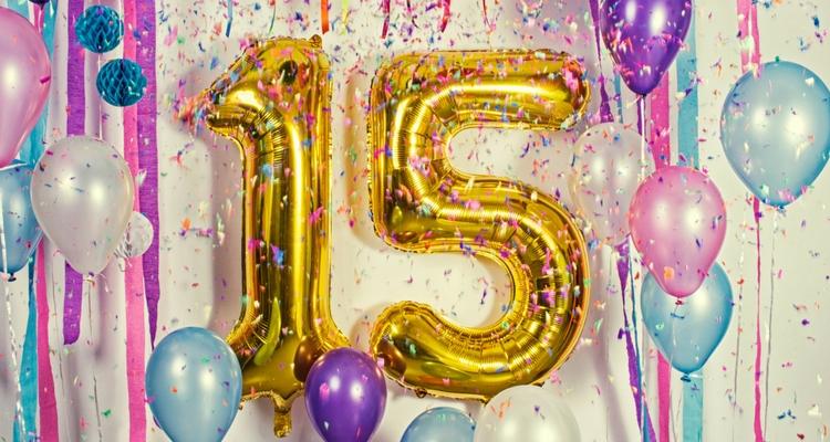 globos con números 15 color dorado